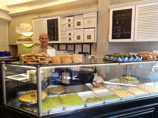 Delicious-baklavas-at-Develi-shop