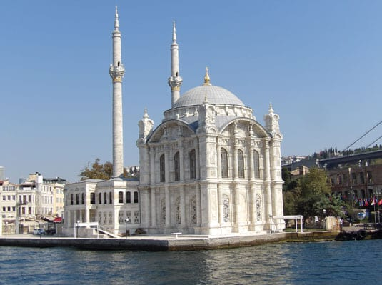 A-little-white-mosque-on-the-Bosphorus