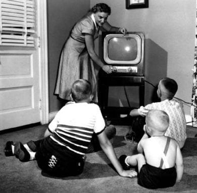 my-first-glimpse-of-a-bw-television-set-1954-style