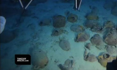amphorae-from-sunken-ship