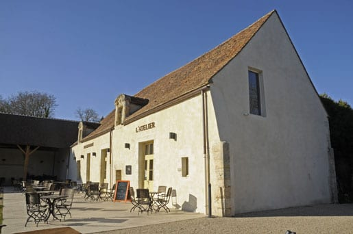 -LAtelier-the-brasserie-of-the-Chateau-dAugerville