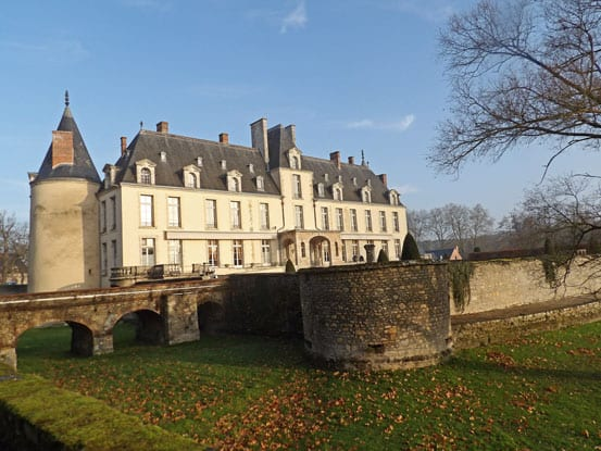 The-moat-of-the-Chateau-dAugerville