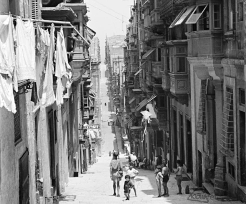 The not-so-affluent Valletta back streets.