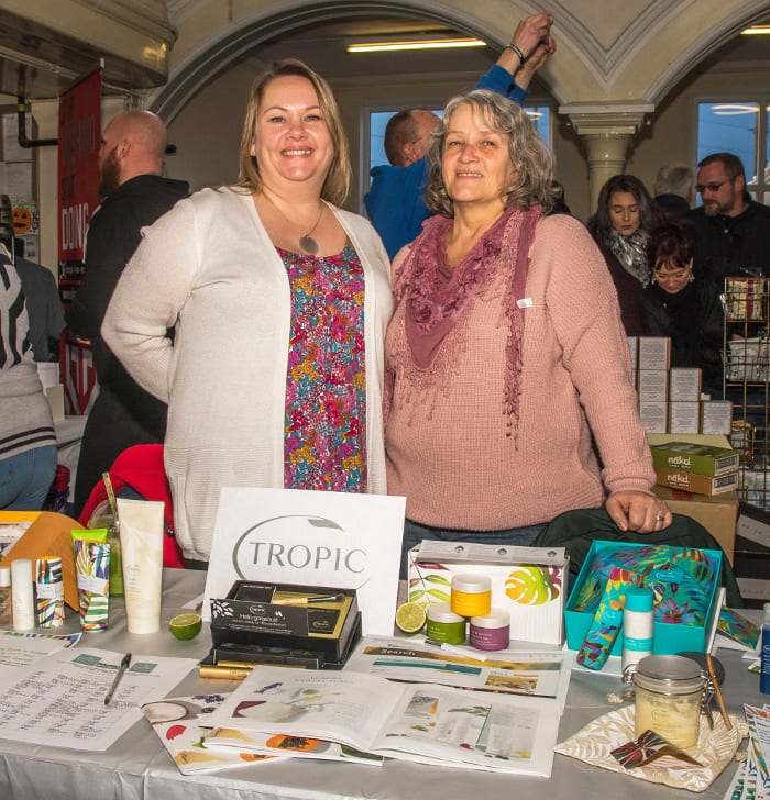 Sally-Lovelock-and-Laurie-Foster.-Tropic-Skin-Care-products.