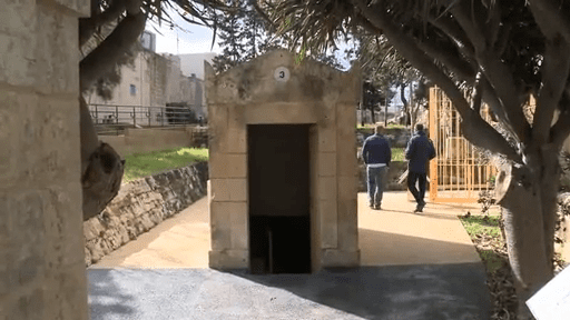 -The-entrance-to-the-St-Pauls-Catacombs-outside-Mdina