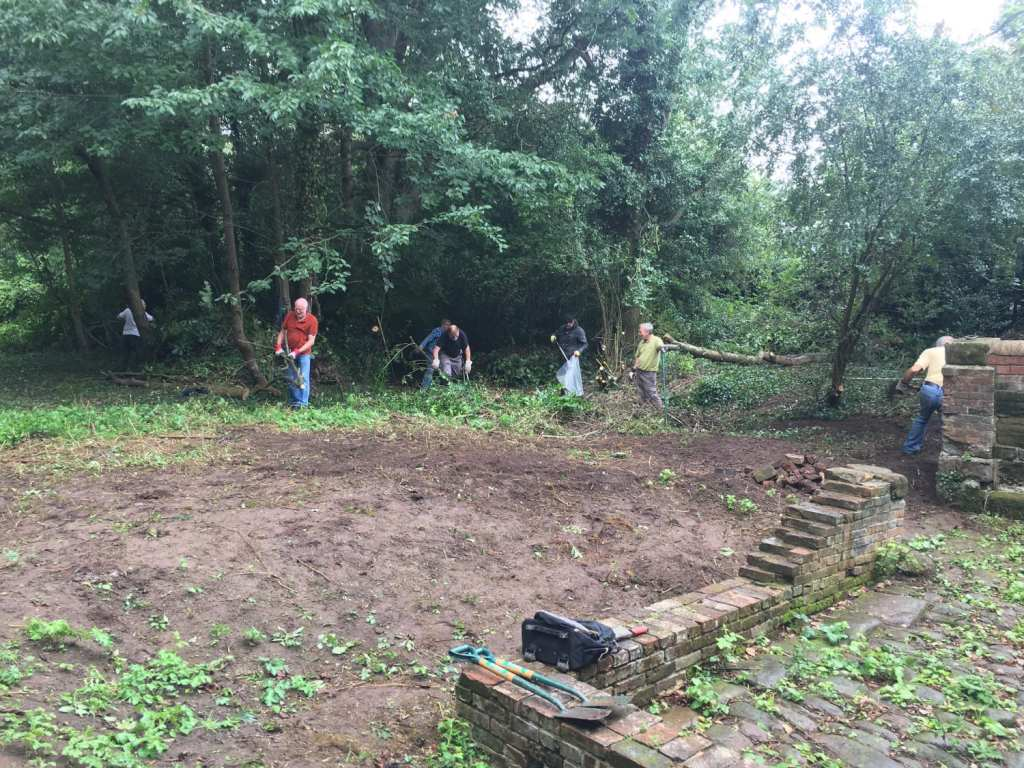 Pic Volunteers clearing the Animal Pound area Photo courtesy of Cllr Mattie Heaven