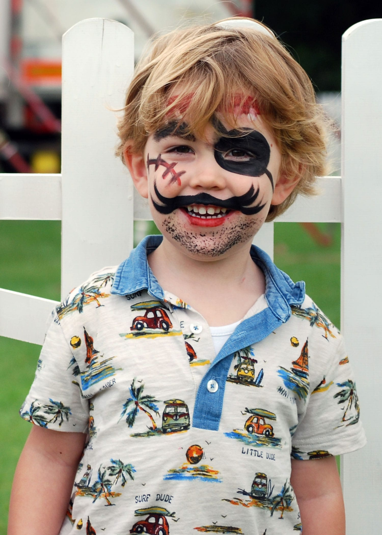 01-Face-painted-pirate (1)