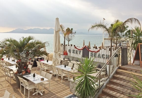 One of the numerous beach restaurants in Cannes
