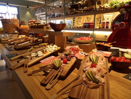 Lunch buffet at the Craft