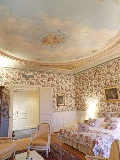 Beautiful original ceiling in one bedroom