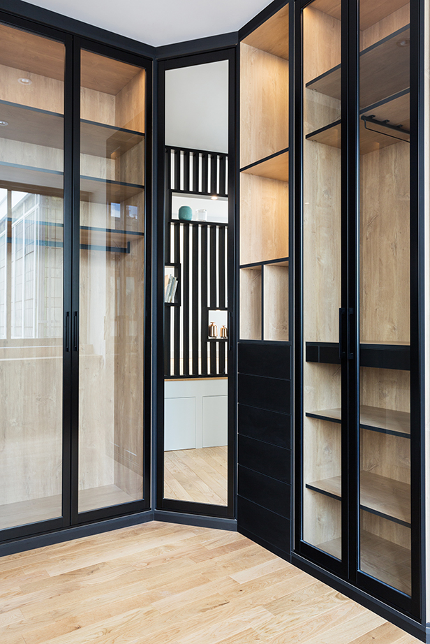dressing-15-appartement-luxe-paris