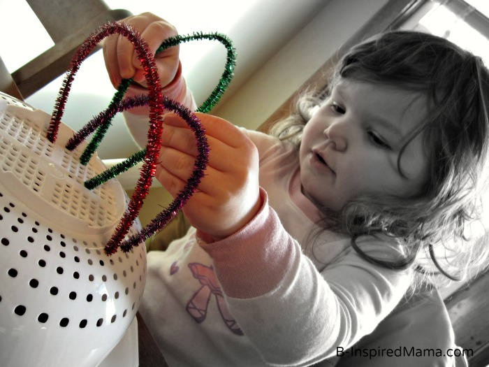 Pipe Cleaner Fine Motor Rainbow Play at B-InspiredMama.com