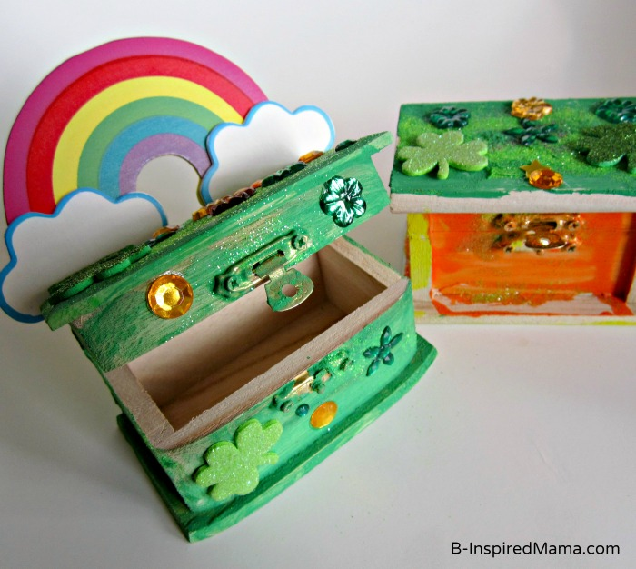 St. Patrick Craft Leprechaun Trap Open Box at B-InspiredMama.com