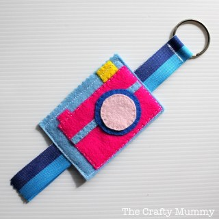 Mama Craft: Camera Bag Tag [Contributed by The Crafty Mummy]