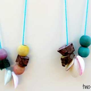 Necklace Nature Craft for Kids [From the Mamas]