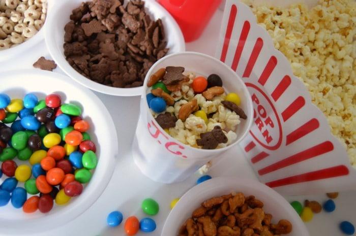 Kids Movie Night Popcorn Bar with DIY Personalized Popcorn Cups + An APP to Make Your Popcorn PERFECT! #sponsored #GoodbyeBurnedPopcorn #PerfectPop at B-InspiredMama