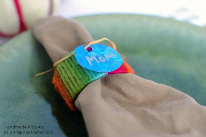 Kid Made Napkin Rings and Place Crafts for Thanksgiving - Thanksgiving Crafts for Kids at B-Inspired Mama