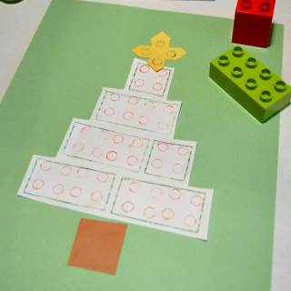 A Kids Christmas Craft Using LEGO DUPLO