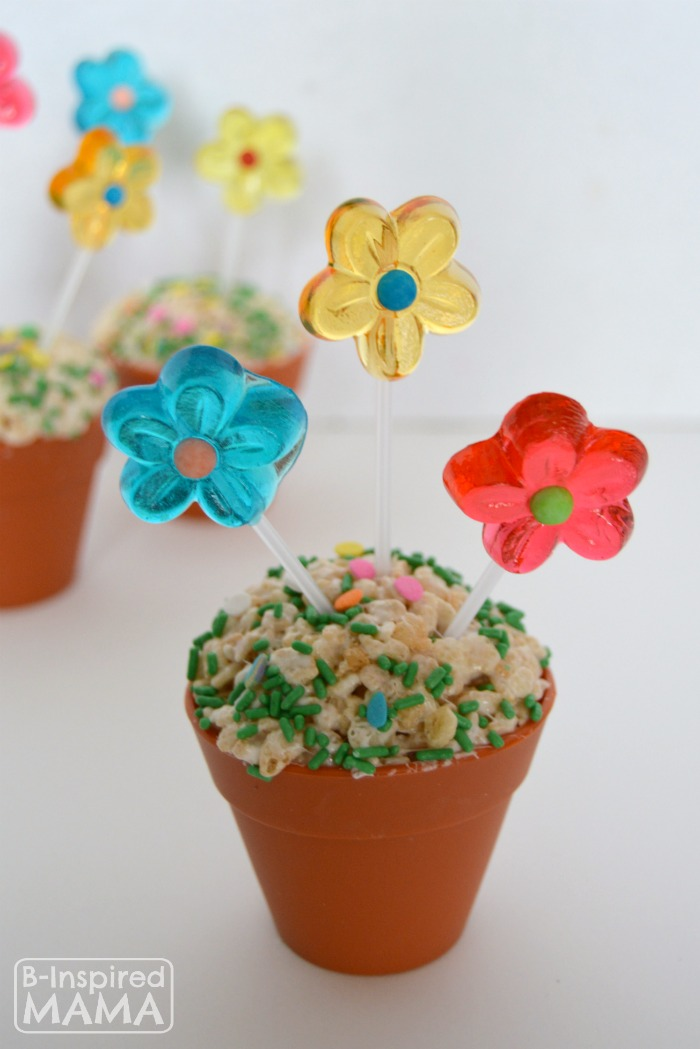 Cute Spring Flower Pot Rice Krispies Treats at B-Inspired Mama