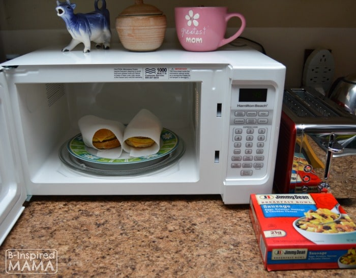Simple School Morning Routine Tricks - Making Easy Breakfasts - at B-Inspired Mama