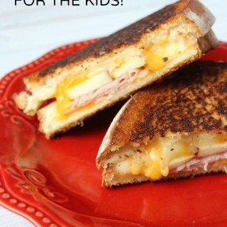 Make Your Kids a Fancy Grilled Cheese Sandwich with Apples & Ham