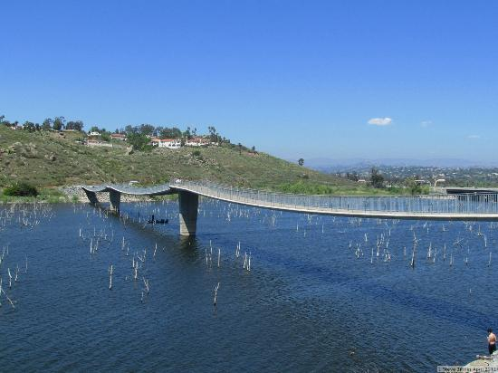 lake hodges with water 1