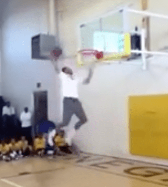 Stephen Curry vertical jump dunk