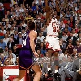 Jordan au shoot lors du Game 4 (c) Getty