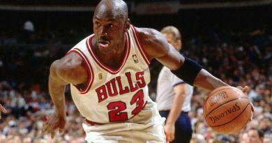 Opening Night : Michael Jordan donne le bourdon aux Hornets en 1995