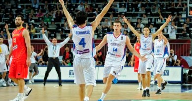 Mondial 2010 : Milos Teodosic met à terre l'Espagne, le serbe plante le 3-points qui fait mal