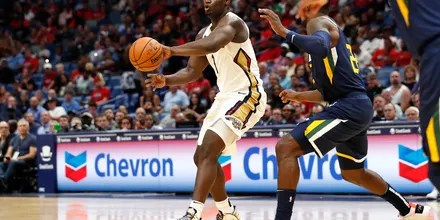 Williamson wows home crowd, Pelicans beat Jazz 128-127