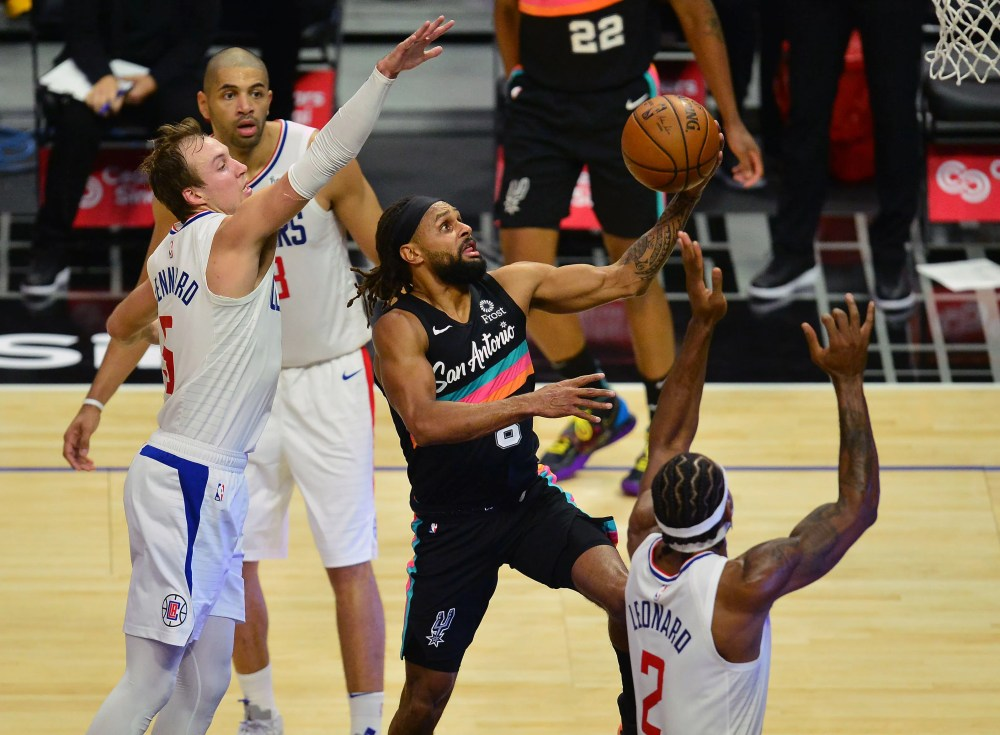 Spurs stop 4-game skid with 116-113 victory over Clippers   FOX Sports