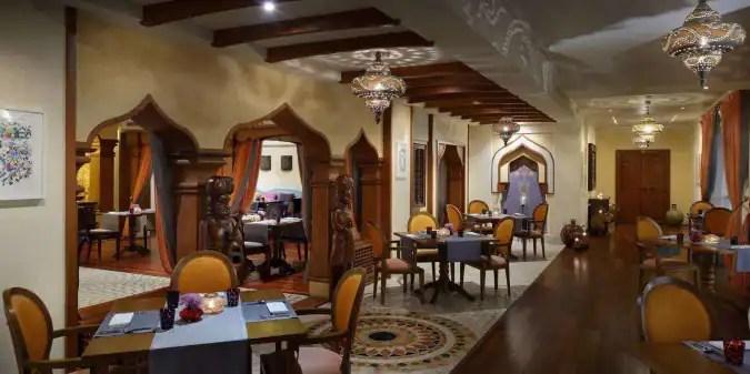 Chutneys Mvenpick Hotel Amp Apartments Oud Metha Dubai