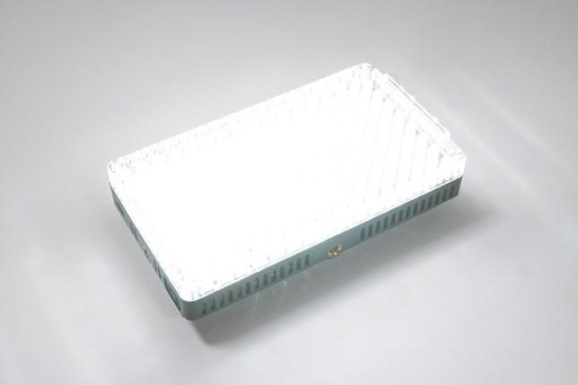 Aputure Amaran AL-F7 3200-9500K LEDライト-点灯