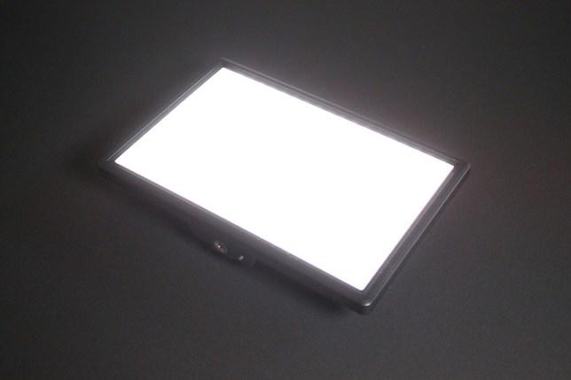 Viltrox L116T プロ 薄型 LED ビデオライト-点灯
