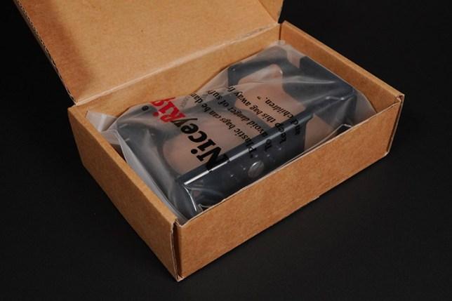NICEYRIG Sony α6000シリーズ用アルミカメラケージ 箱を開けた状態