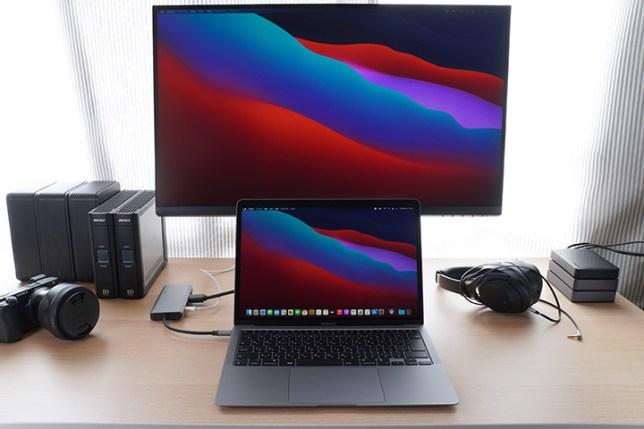 MacBook Air + Elecife 12-in-1 USB C ハブ+ DELLモニタ