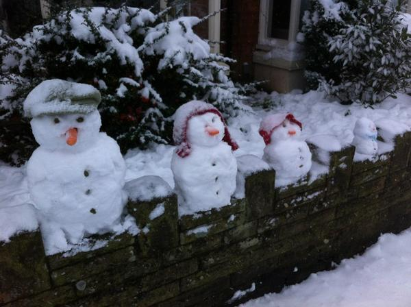 WINNER! Cute Bournville snow family by maccajacca