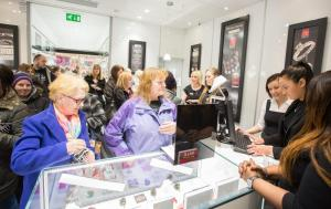 Warren James open a new store at the Northfield shopping centre.