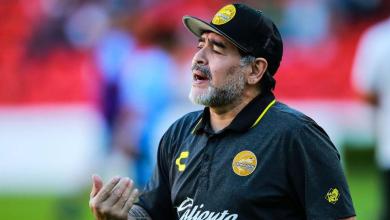 Photo of Diego Maradona a murit la vârsta de 60 de ani! Fostul mare fotbalist a suferit un stop cardio-respirator