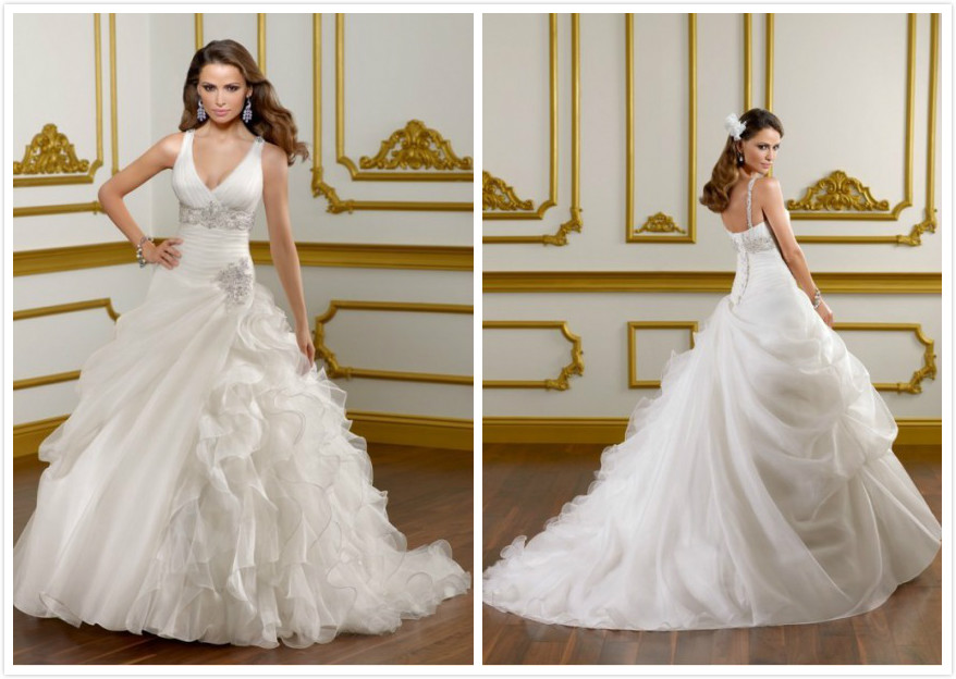 V-neckline Ivory Organza Backless Ball Gown Bridal Wedding