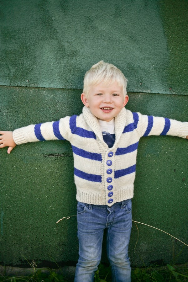 Bohdan modeling his Gramps Sweater knit in Galway Worsted