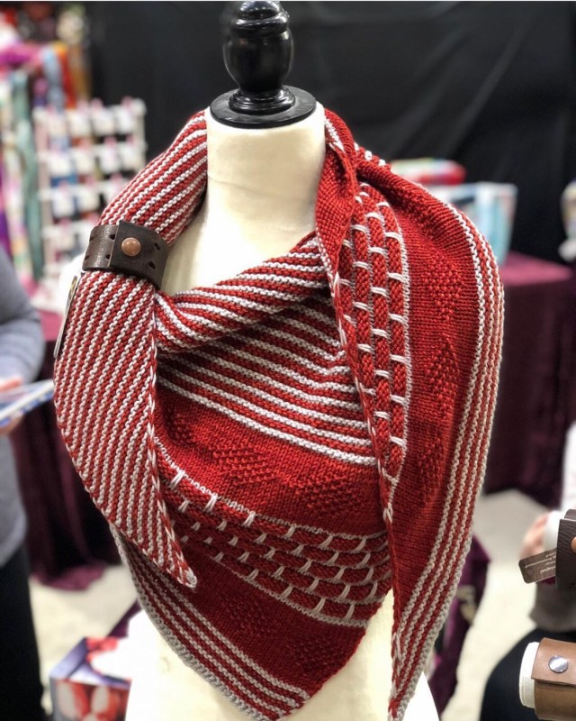 Shawl cuff in action: complimenting the gorgeous Laurel Shawl, one of the newest patterns available from the talented ladies of Knox Mountain Knit Co.