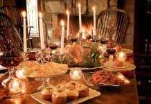 karácsonyian megterített asztal