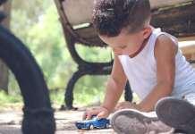 játék gyerekkel
