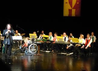Színesebb velük a Föld - értelmi fogyatékos zenészek a színpadon