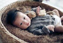 A baba hallása, látása, érzékelése - 2 hónapos kor