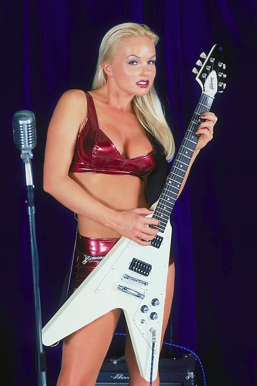 Sylvia Saint Rockn Roll