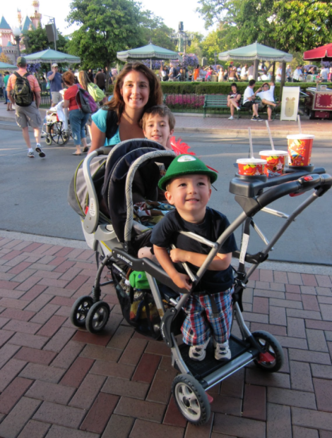 25 Things Disneyland Moms know that other moms don't.