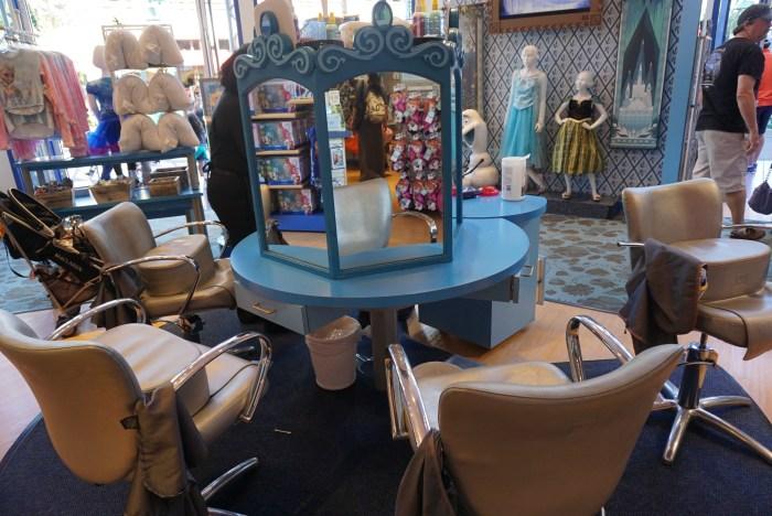Anna and Elsa Boutique Visit 2016 (8)